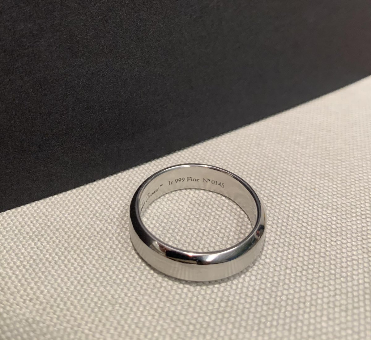 RT @SmithsonTennant: A close-up look at a custom dual toned ring we created for a customer. Interested in one of your own? Tap that contact button and let us know how we can help. #iridium #raremetals #customized